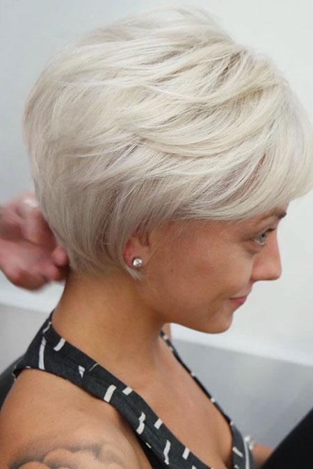 Pixie Long Voluminous Blonde