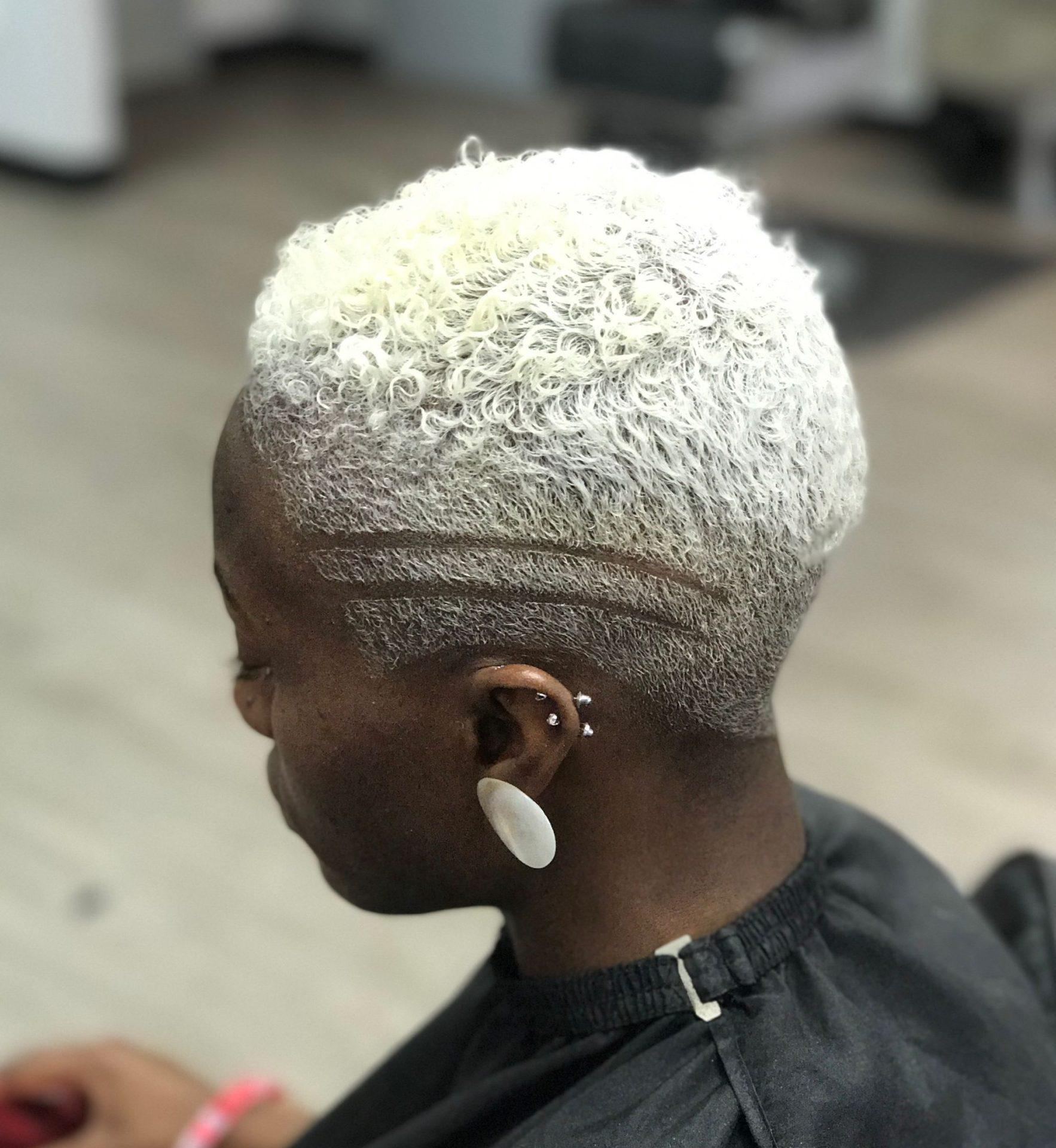 Short platinum blonde hair for black women