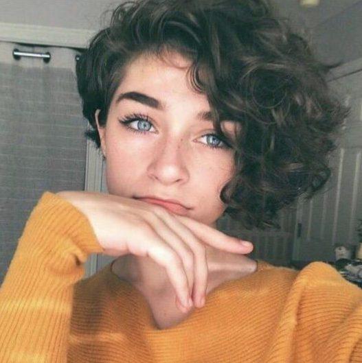 pixie short curly hair