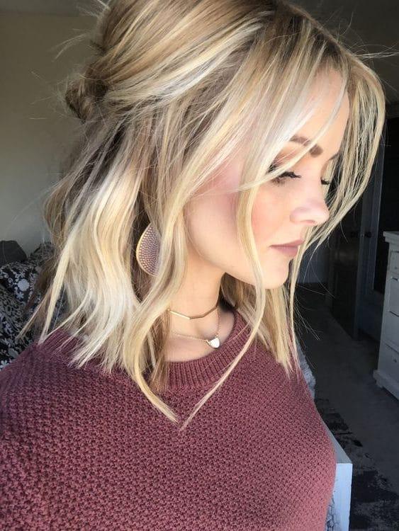 shoulder length short hair
