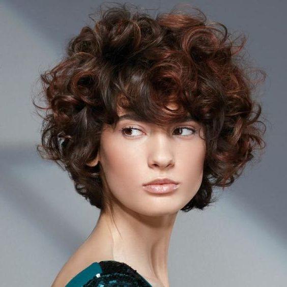 wavy curl short hair