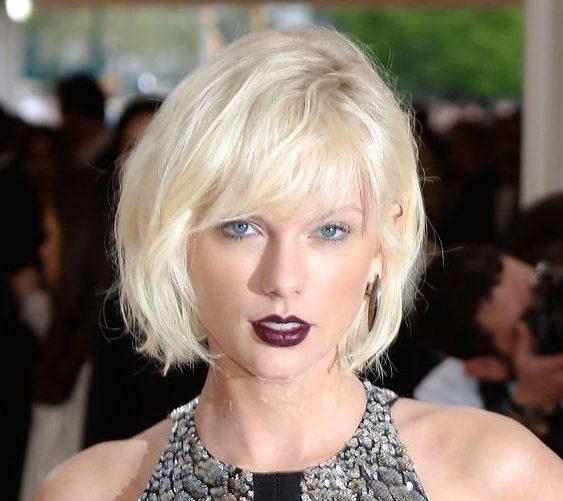 shoulder length short blonde hair