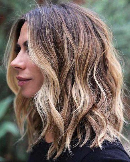 Layered shoulder length hair